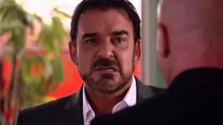 getlinkyoutube.com-Rosa diamante - Gerardo golpea al detective