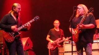 getlinkyoutube.com-Tedeschi Trucks Band with Warren Haynes - Keep on Growing (Front Row)