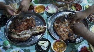 "getlinkyoutube.com-Iraq's signature dish ""masgoof"" back on the tables"