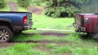 getlinkyoutube.com-Dodge Ram 2500 vs Nissan Titan - TUG O WAR.MOV