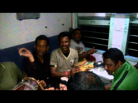 Gihara samaaj bhajan keertan on train