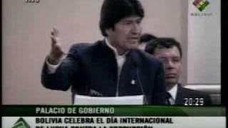 EVO MORALES HUMILLA A PERIODISTA DE LA PRENSA 09122008 1