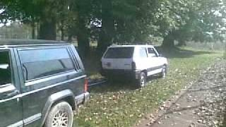 getlinkyoutube.com-Fiat Panda vs Jeep Cherokee