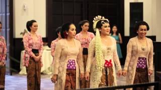 getlinkyoutube.com-Pernikahan Adat Jawa Cesa Helmi 17 Mey 2014