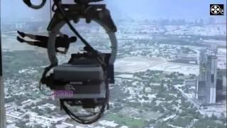 getlinkyoutube.com-TOM CRUISE Burj Khalifa stunts for Mission Impossible 4