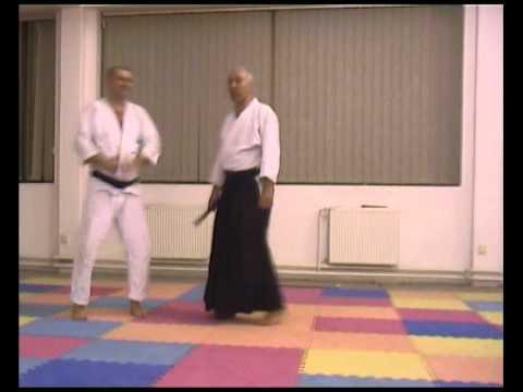 18.1 Munetsuki kotegaeshi (tanto)