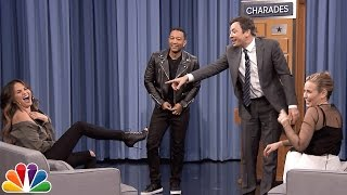 getlinkyoutube.com-Charades with Chelsea Handler, John Legend and Chrissy Teigen