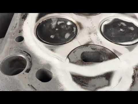 Где находится прокладка гбц в Mazda Bongo