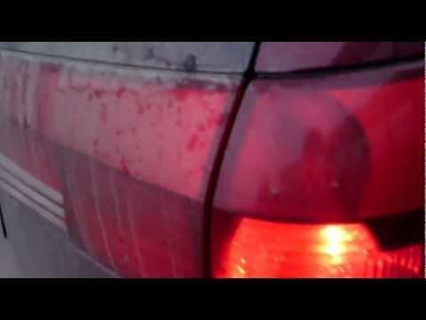 Лимонные лампочки в красных поворотниках