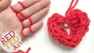 getlinkyoutube.com-Easy Finger Knitting How To - DIY Heart Ornament - Christmas DIYs