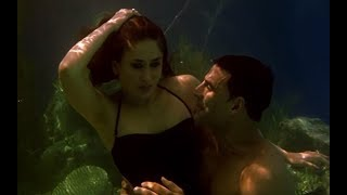 getlinkyoutube.com-Akshay Kumar & Kareena Kapoor's under water romance - Kambakkht Ishq