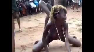 getlinkyoutube.com-ghana girls dancing nakèd in public