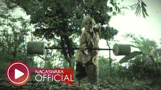 getlinkyoutube.com-Wali - Nenekku Pahlawanku - Official Music Video - NAGASWARA
