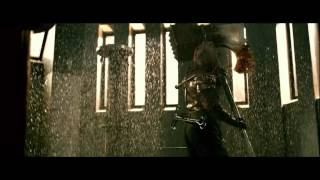getlinkyoutube.com-Epic Fight Scenes: #4 - Resident Evil: Afterlife (Alice & Claire vs. the Axeman)