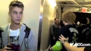 getlinkyoutube.com-Justin Bieber Meeting Ed Sheeran