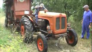 getlinkyoutube.com-Trebbiatura- Trebbia AMA incorporata OM513R Fordson Major