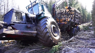 getlinkyoutube.com-Forwarder Kockums SMV 21S logging in winter forest