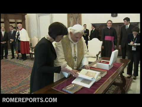 President of Switzerland  Doris Leuthard and pope talk about sex abuse crisis