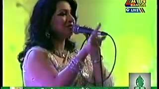 getlinkyoutube.com-Akhi Alomgir live song Bish wth n0ngor Atn bangla