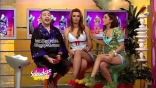 getlinkyoutube.com-CECILIA GALEANO DESCUIDO ENSEÑA CALZONES 2011