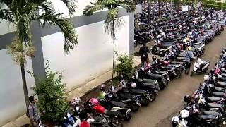 getlinkyoutube.com-MALING HELM DI ITENAS BANDUNG TEREKAM CCTV