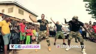 getlinkyoutube.com-Shatta Wale Ft. Sarkodie (Dancehall Commando Official Dance Video By Level 5)