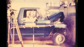 1979 Ford F-350 | Frontal Crash Test by NHTSA | CrashNet1