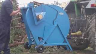 getlinkyoutube.com-Gwaza PTO Driven Log Saw 17014