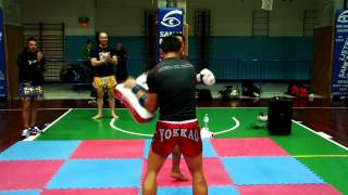 getlinkyoutube.com-Muay Thai Combat TV ep. 7: Saenchai Seminar in Italy with Tham Sityodtong by Stefania Picelli