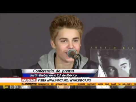 Justin Bieber en Mexico diciendo 'Hola, te amo, te quiero, tacos y Quesadillas.'