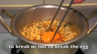 getlinkyoutube.com-Korean Spicy Noodle with Cheese