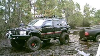 getlinkyoutube.com-Monster Jeep Grand Cherokee Mudding
