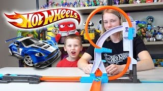 getlinkyoutube.com-Hot Wheels Cars Track Builder System Stunt Kit & Starter Kit Hot Wheels Collection Kinder Playtime