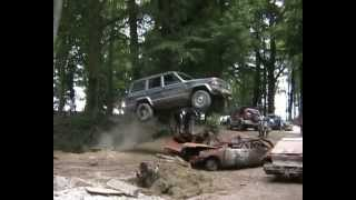 getlinkyoutube.com-Jeep Destroy crash test HD