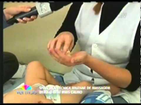 Massagem relaxante para bebês