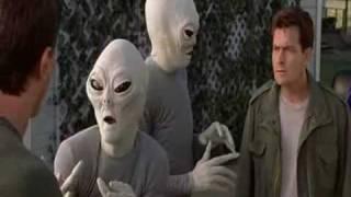 getlinkyoutube.com-Scary Movie 3 Alien Scene