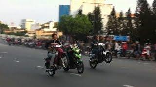 getlinkyoutube.com-Đua Xe Bình Thạnh - Rung Chuyển Tâm Bão ( FULL 5 phút )