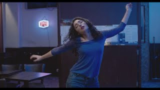 Golshifteh Farahani dancing  (Two Friends/ Les deux amis)