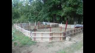 getlinkyoutube.com-Homestead Pigs: Build a Pig Pen