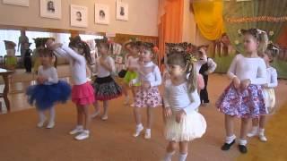 """getlinkyoutube.com-танец """"Серенькая кошечка"""" детьми средней и второй младшей группы"""