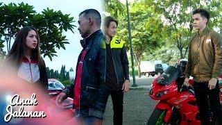 getlinkyoutube.com-Boy Menendang Abis Churong Sampai Terjatuh [Anak Jalanan] [21 Oktober 2016]