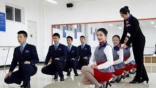 Pelatihan Wanita Untuk Jadi Pramugari ini Bikin Syok Aja Lihatnya  Gak Seperti yang Kamu Bayangkan S
