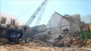 getlinkyoutube.com-M152 Seilbagger bei Abbrucharbeiten