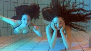 getlinkyoutube.com-Two mermaids and a merman | Stella the Siren