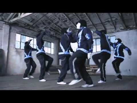 JabbaWockeeZ Dance Off with the 2011 Ford Explorer | Truck of the Year | V8 vs. V6?