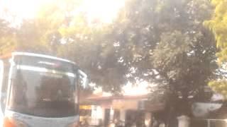 getlinkyoutube.com-Perang klakson telolet bus rosalia indah jetbus 2