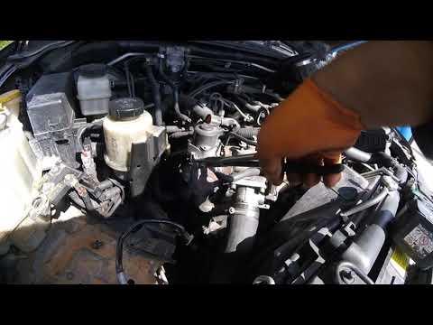 Как вытянуть EGR кулер Nissan Pathfinder/How to pull out the EGR cooler?