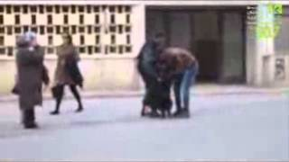 getlinkyoutube.com-فديو الشرطة التونسية تعرى فتاة فى الشارع امام اعين الناس