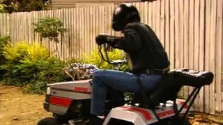 getlinkyoutube.com-Quell'uragano di papà ITA (1) La motofalciatrice