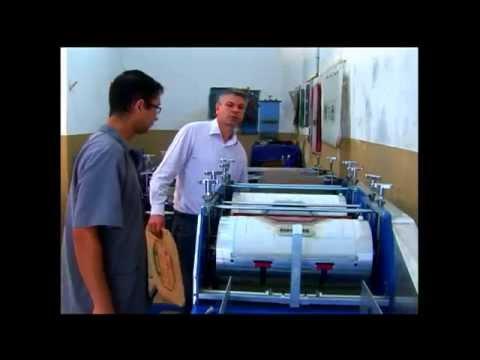 Máquina imprime 3 mil unidades de caixa de papelão por hora
